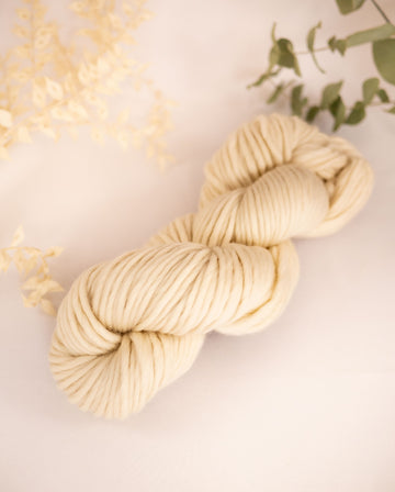 Natural merino wool chunky yarn, 200g hank