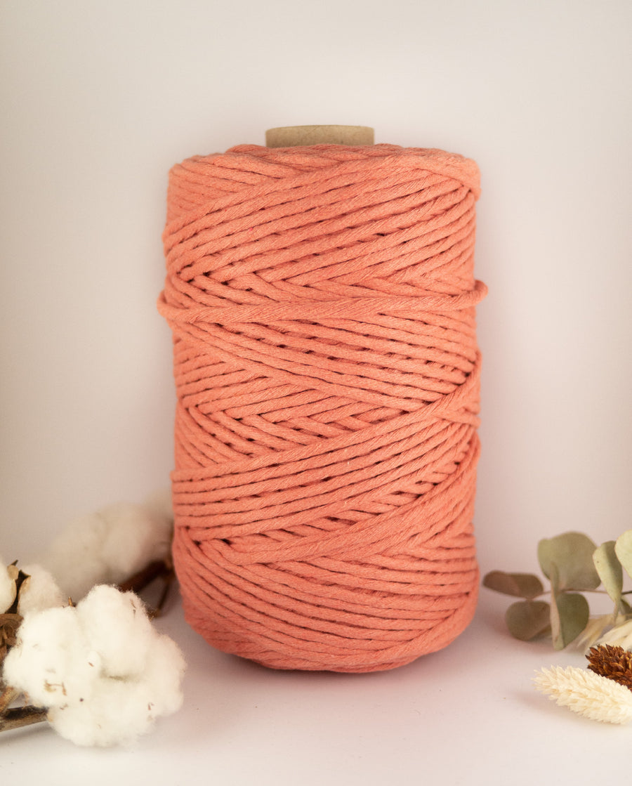 Strawberry 'n' Cream cotton string, 1 kg