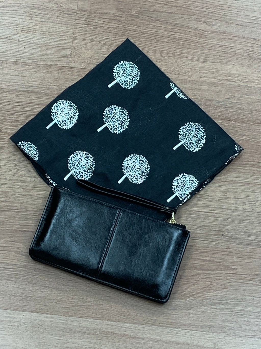 Midnight Grey / Black Tree of Life Scarf & Black Bracelet Purse Gift Set