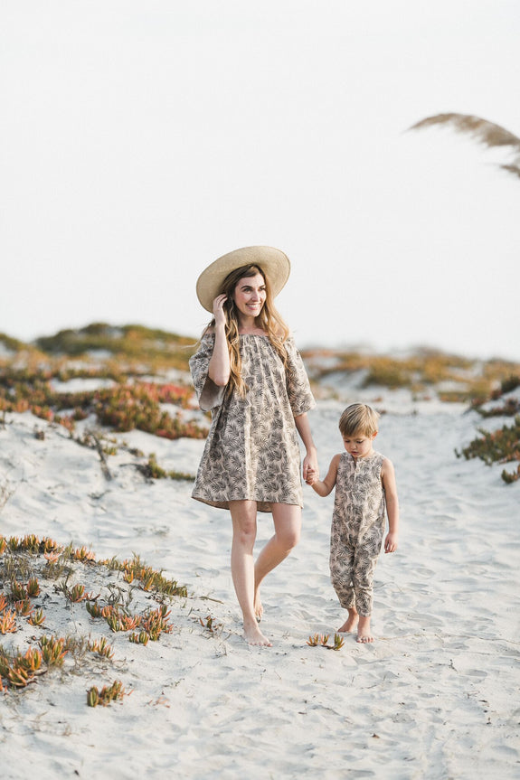 Palm leaf dress mama Rylee & Cru