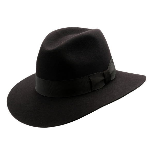 Angle view of Akubra Adventurer hat in Black