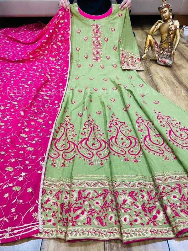 Foil Print And Thread Work Kurta With Dupatta