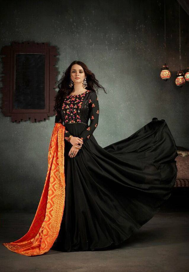 Black Embroidered Anarkali Suit-www.riafashions.com
