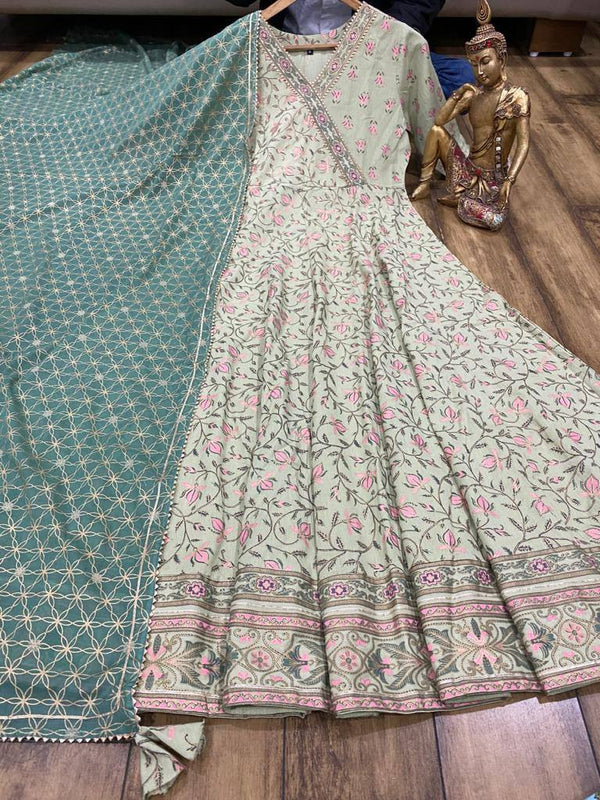 Cotton gown & cotton dupatta with foil and block print