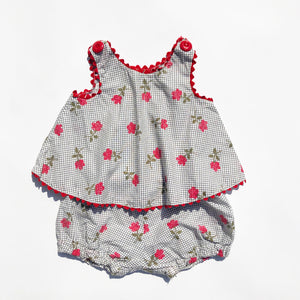 Sweet Little Baby Set with Bloomers size 3-6 months.
