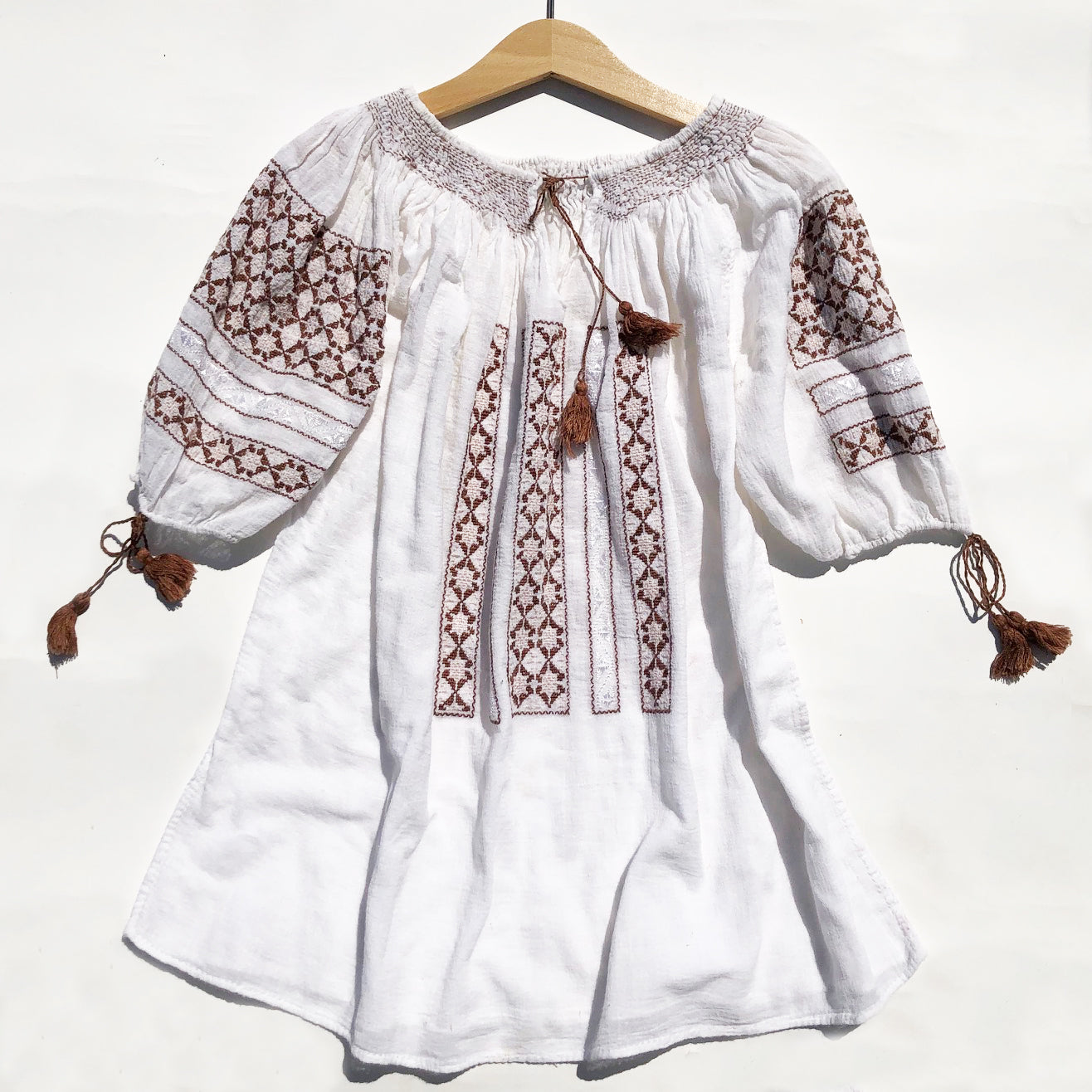Vintage Embroidered Hungarian Peasant Blouse size 10-12