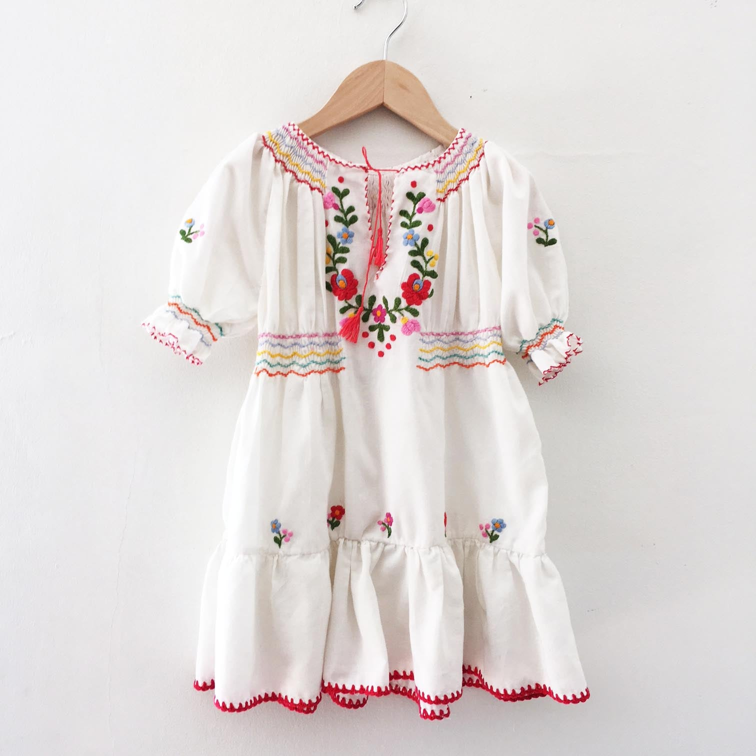 Vintage embroidered peasant dress size 3-4