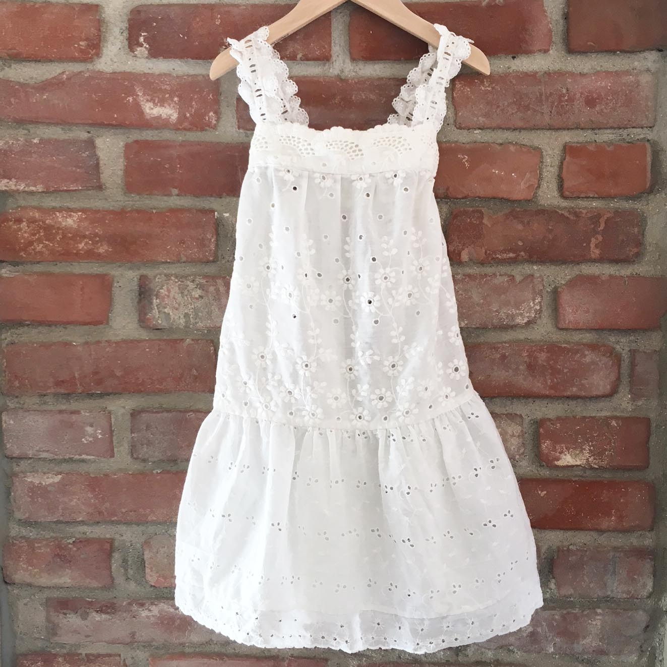 Broderie Anglais whitework dress size 4-5