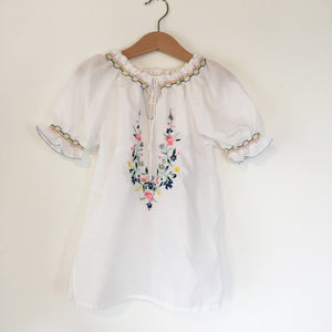 Vintage embroidered blouse size 5-6