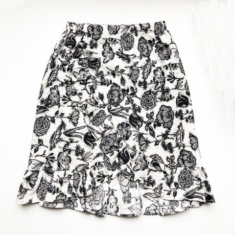 Sara Re-purposed Ruffle Skirt In B+W Botanical print size 8