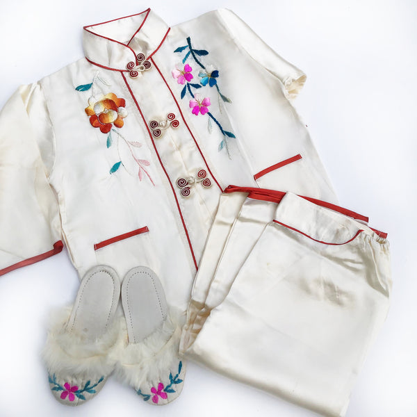 Amazing Vintage Embroidered Pajama Set Size 18-24 months