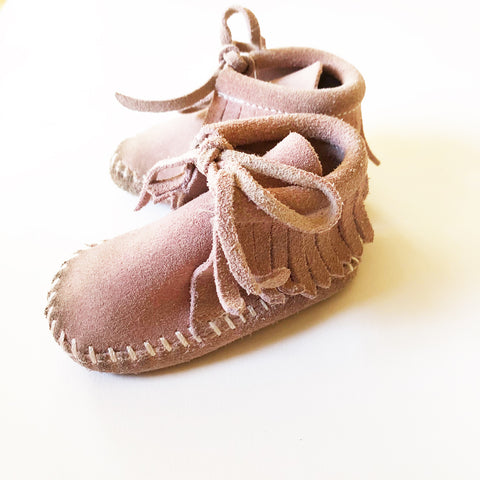 Little vintage Minnetonka booties size 2