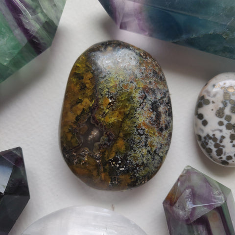 Matrix Green Opal Palm Stone (#2)