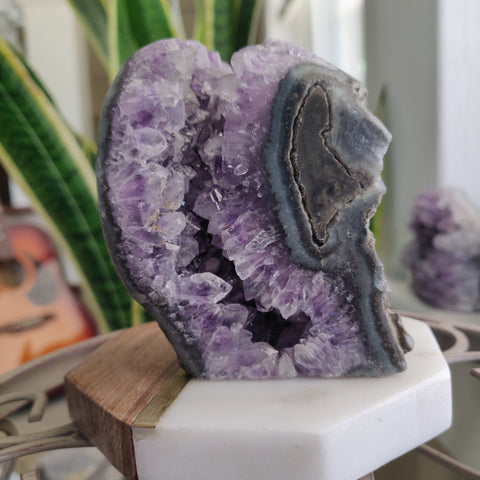 Amethyst Geode Free Form, Cut Base (#34)