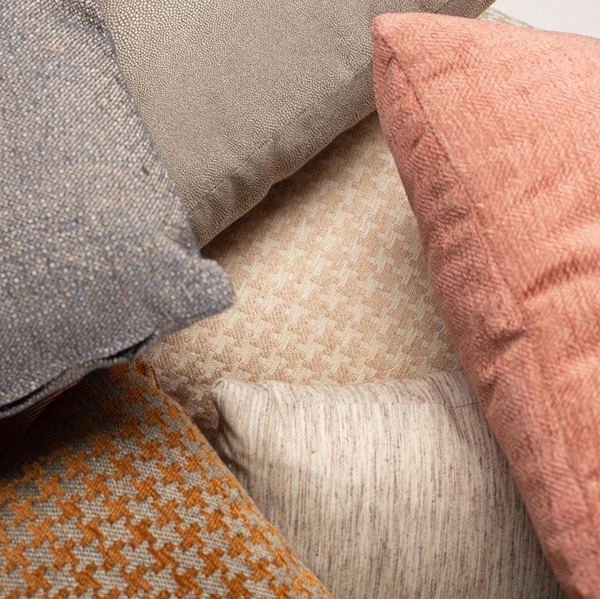Sofa Pillows: How to Match Them To Your Living Room Setup