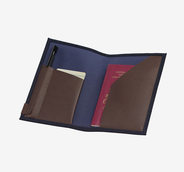 ro Urbanite Passport Holder | Urban Leather Bags & Accessories | robags.com