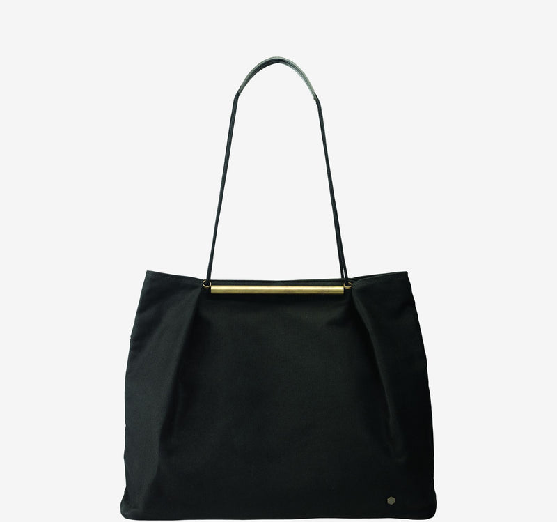 ro Gyoza Dumpling Bag | Urban Leather Bags & Accessories | robags.com