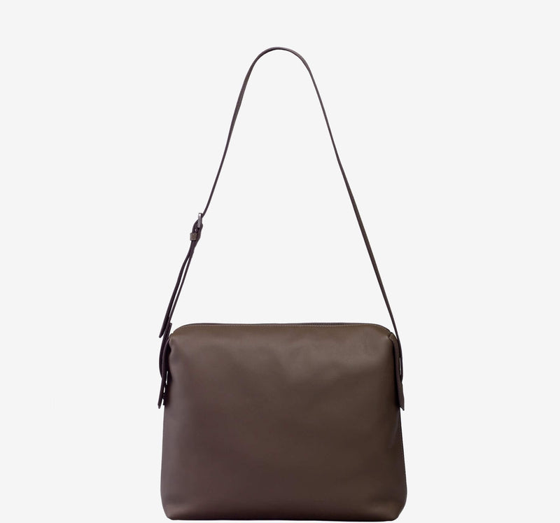 ro Indus Messenger | Urban Leather Bags & Accessories | robags.com