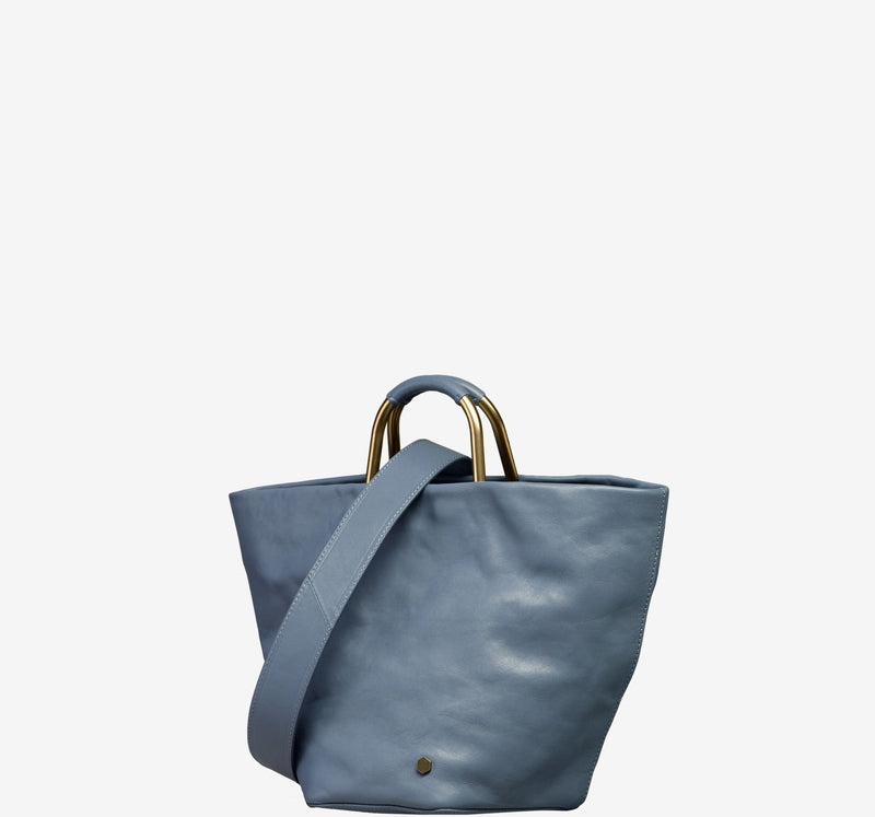 ro Galleon Small Bucket Bag | Urban Leather Bags & Accessories | robags.com