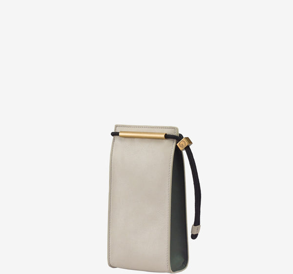 ro Brie Vertical Pouch | Urban Leather Goods & Accessories | robags.com
