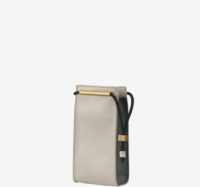 ro Brie Vertical Pouch | Urban Leather Bags & Accessories | robags.com