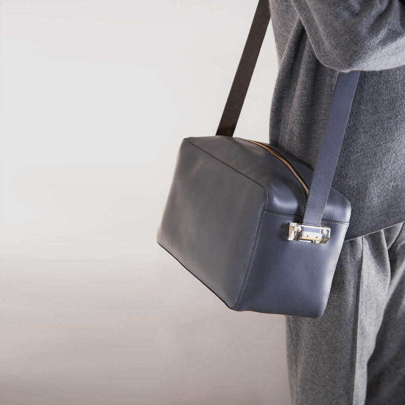 ro Large Cube | Urban Leather Goods & Accessories | robags.com