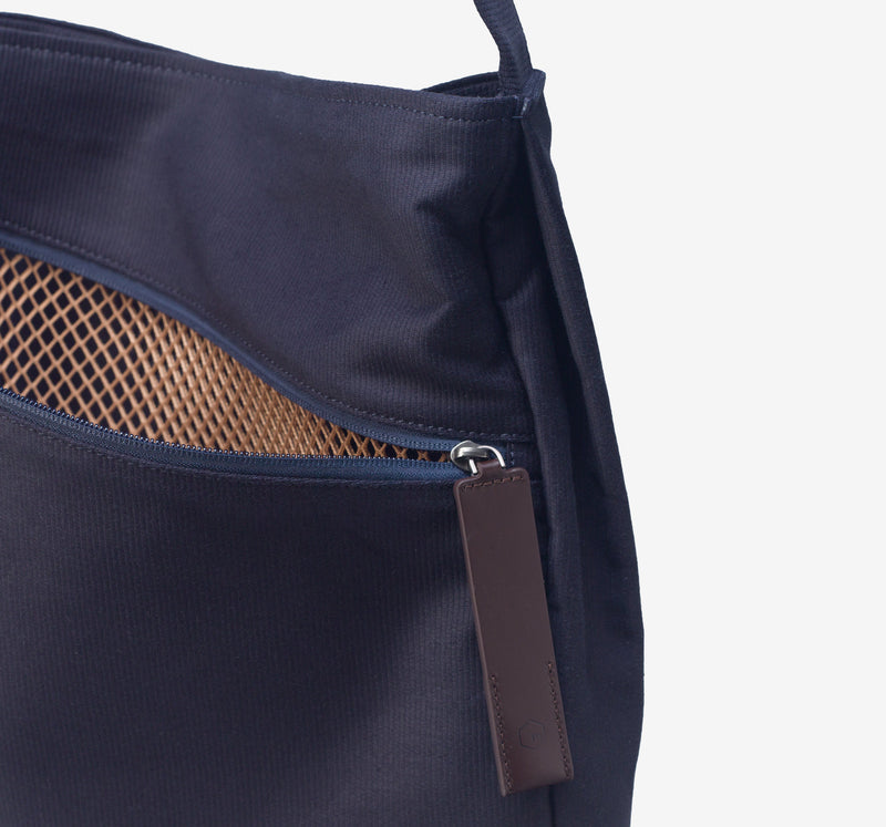 ro Square Bag | Urban Leather Bags & Accessories | robags.com