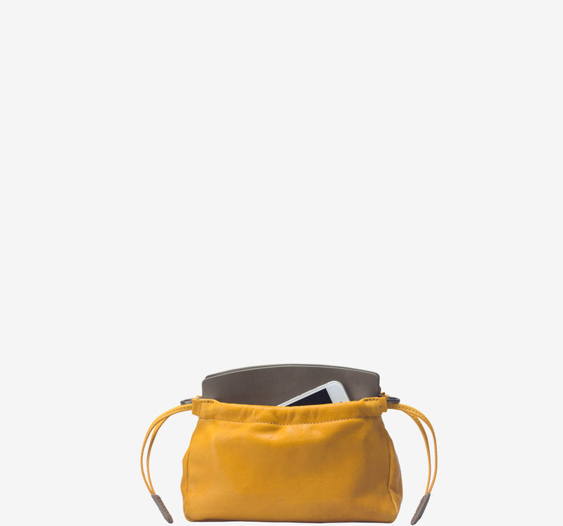 ro Elena Clutch | Urban Leather Bags & Accessories | robags.com