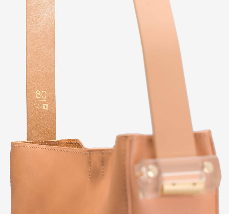 ro Vertical Tote | Urban Leather Bags & Accessories | robags.com