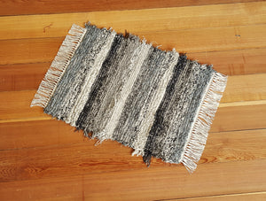"20"" x 25"" Black, Gray, Oatmeal, Tan & Brown U. S. HAND WOVEN Small Area Rag Rug"