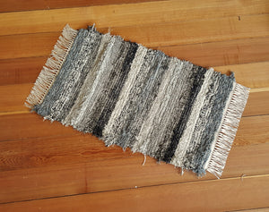 "20"" x 32"" Black, Gray, Oatmeal, Tan & Brown U. S. HAND WOVEN Small Area Rag Rug"