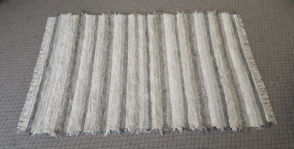 Living Room, Sunroom, Nursery or Family Room Rug - 5' x 7' 8
