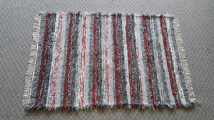 "4' x 5' 11""  Gray & Red  U. S. HAND WOVEN Large Area Textured Rag Rug"