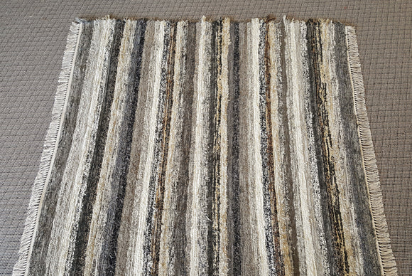 Living Room, Sunro or Family Room Rug - 6' x 6' Black, Gray & Brown