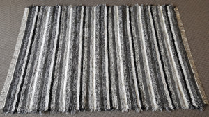 "Living Room, Dining Room or Family Room Rug - 6' x 8' 6"" Black, Gray & Silver"