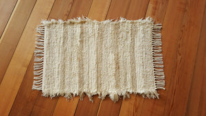 "20"" x 30"" Ivory, Creme & Honey U.S. HAND WOVEN Small Area Rag Rug"