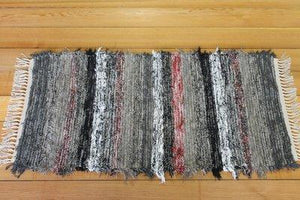 "24"" x 45"" Black/Red U.S. HAND WOVEN Small Area Rag Rug"