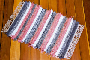 "24"" x 38"" Grey & Pink U.S. HAND WOVEN Small Area Rag Rug"
