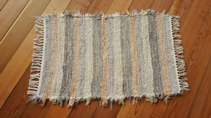 "24"" x 36"" Gray, Peach & Cream U. S. HAND WOVEN Small Area Rag Rug"