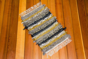 "20"" x 32"" Yellow Green & Grey U.S. HAND WOVEN Small Area Rag Rug"