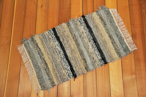 "24"" x 42"" Gray, Black & Taupe U.S. HAND WOVEN Small Area Rag Rug"