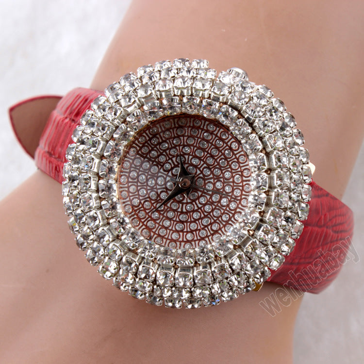Women's Watches with Stars and Water Diamonds in Leather Fashion Watches