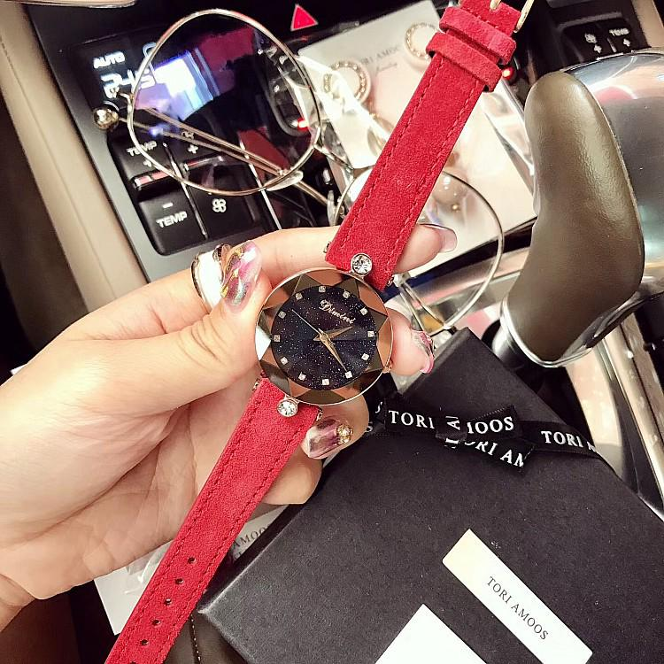 Womens Fashion Luxury Genuine Leather Strap Watch Elegant Stars Quartz Jewelry Accessories