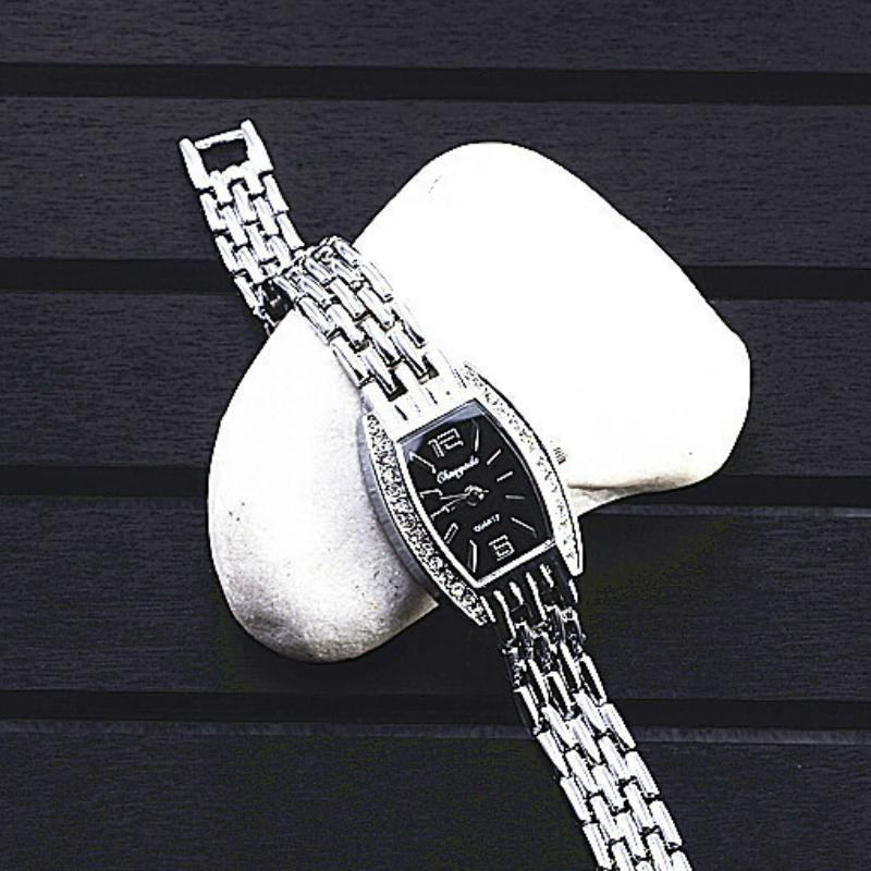 Women Square Dial Diamond Bracelet Watch Fashion Steel Strap Quartz Wristwatch