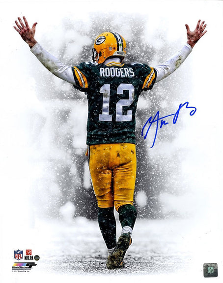 "Aaron Rodgers <br>Green Bay Packers <br>Original signiertes Foto <br>""Snow Fall TD Celebration"" <br>50 x 40 cm"