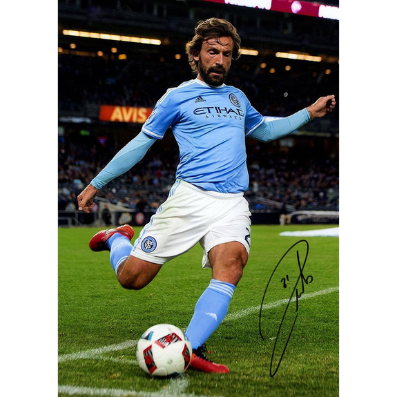 Andrea Pirlo<br>New York City FC<br>Original signiertes Foto<br>30 x 40 cm