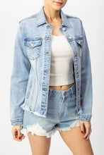 Load image into Gallery viewer, Kan Can Light Wash Jean Jacket