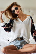 Load image into Gallery viewer, Florals Forever V Neck