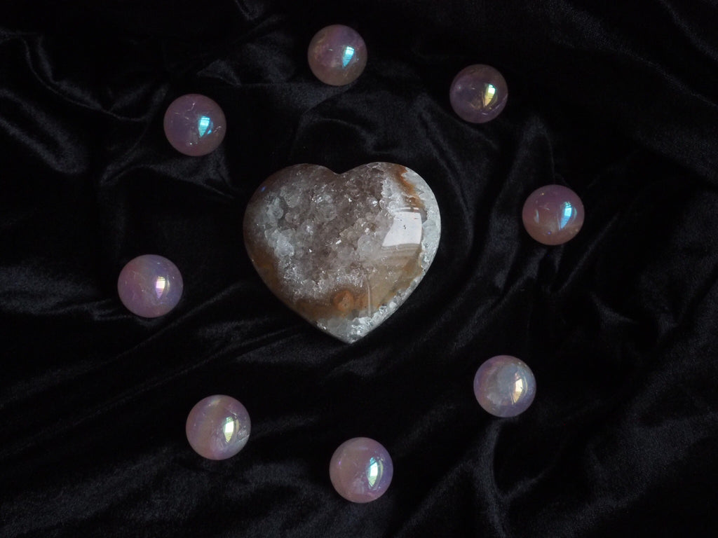Amethyst Heart Geode Cluster #01 (Peach-Colored)