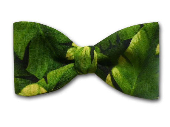 Banana Leaf Bow Tie. Green Bowtie. Luau Party Men's Bow Tie.